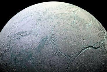 enceladus uydusu
